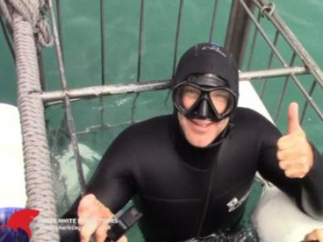 Daily Shark Cage Diving Blog - 17 October 2019